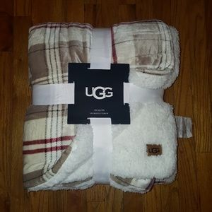 UGG Oversized Throw